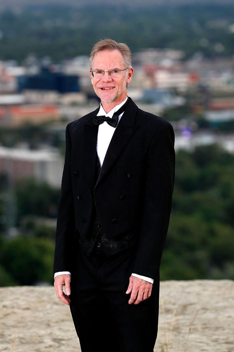 Dr. Steven Hart, Chorale Director